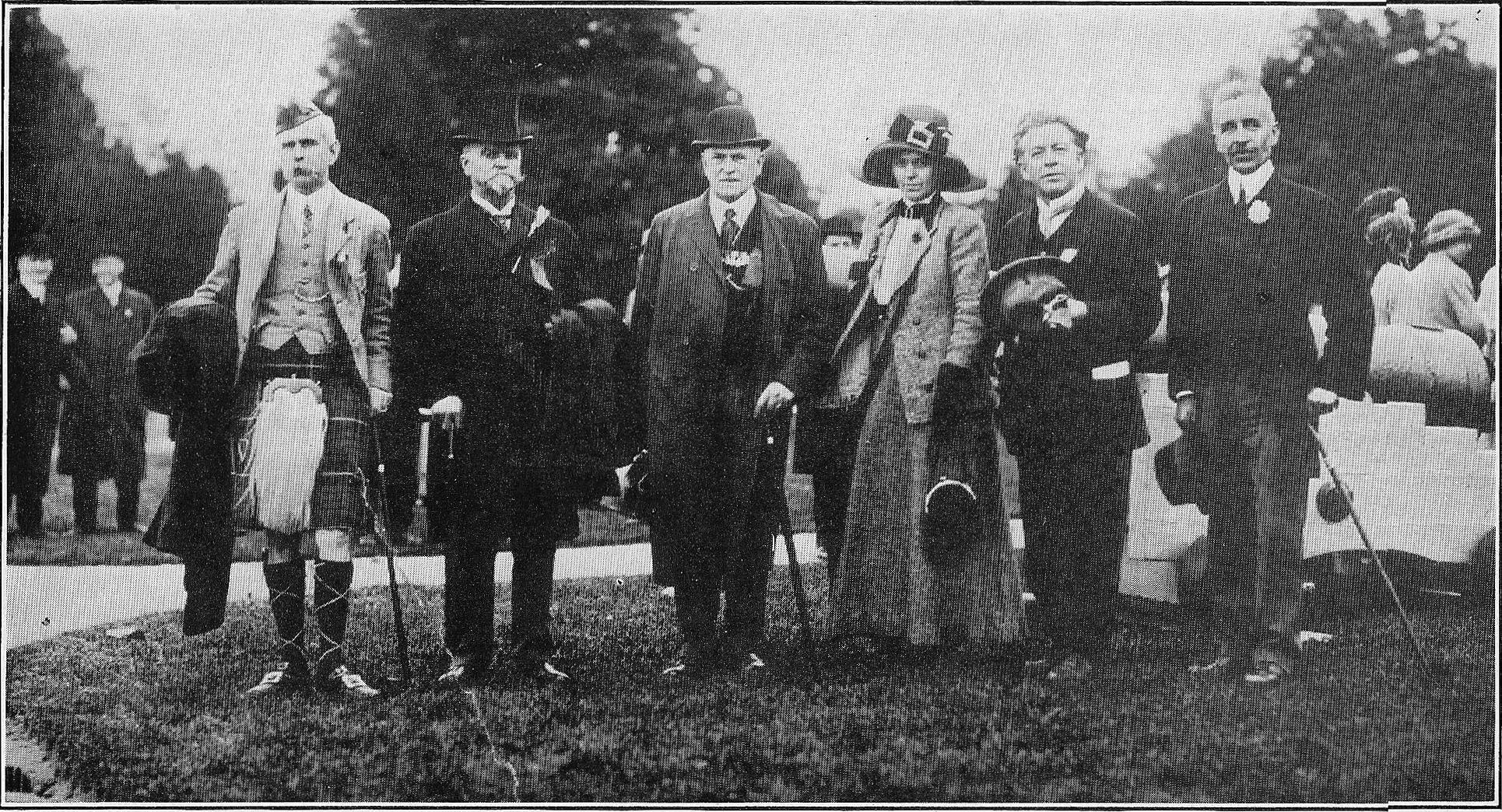 [Members of Committee at Queenston Heights.]